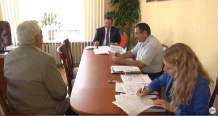 Прием граждан по личным вопросам провел в Лиде Андрей Худык